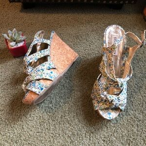 Steve Madden Floral Green & Blue Wedge Sandals